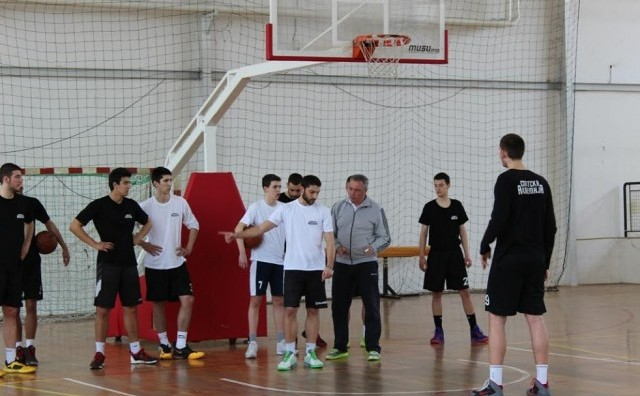 Докузовски и Гечевски тренери на Државната спортска академија