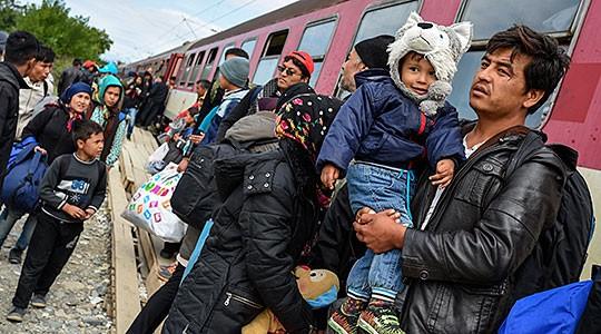 Спасовски и Фицо: Соработка за успешно справувањето со бегалската криза
