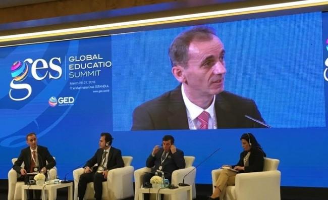 Адеми а Глобален образовен самит во Турција