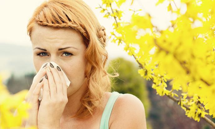 Корисни совети како полесно да се справите со пролетните алергии