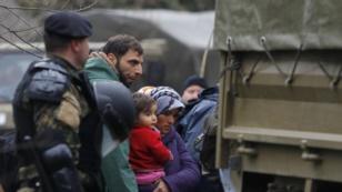 Мигрантите кои илегално влегоа во Македонија депортирани во Грција