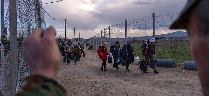 Нема влез на нови бегалци и мигранти на јужната граница