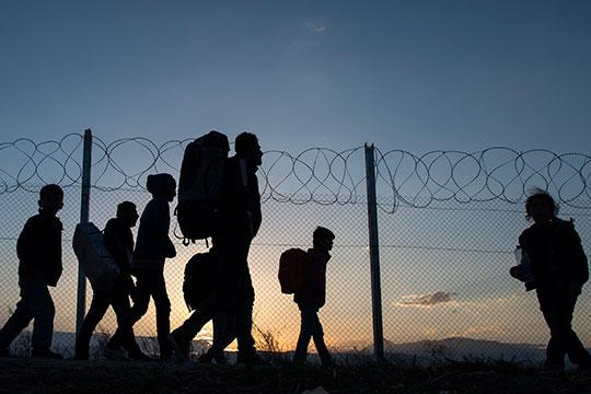 Грчкиот Парламент усвои закон за враќање на бегалците во Турција