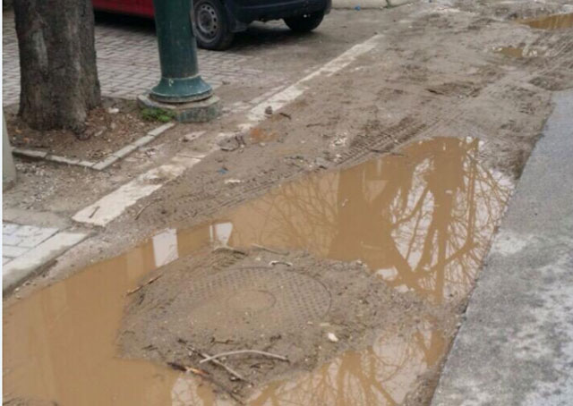 ФОТО: Дебар Маало се дави во кал, каде е Жерновски?