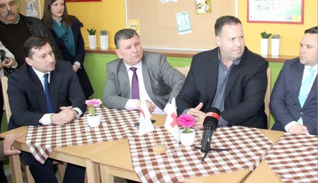 ЕВН Македонија го поддржа отворањето на нов дневен центар за стари лица во општината Сарај