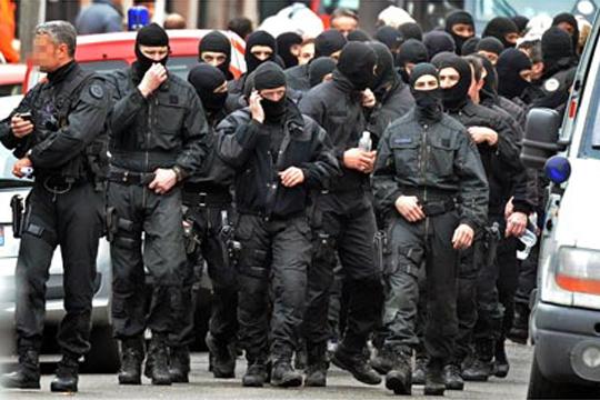 Франција ги засили безбедносните мерки по нападите во Брисел