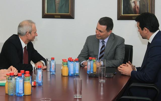 ФОТО: Груевски се сретна со британскиот министер за Европа