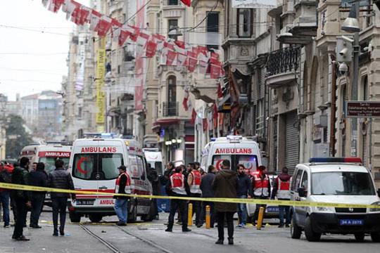 Beyoğlu İstiklal Caddesi'nde bir patlama meydana geldi. İstik