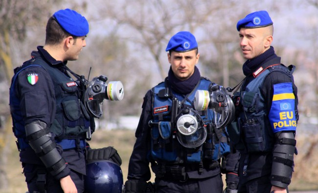 Италијански полицајци на албанско-грчката граница