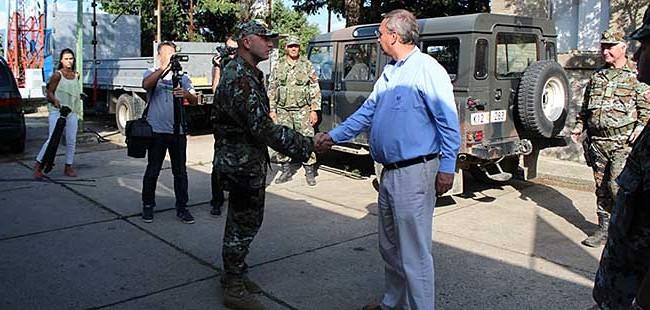 Јолевски: Ако се зголеми напливот на мигранти, ќе се засили и војската на јужната граница