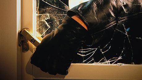 Тешка кражба во куќа во Демир Хисар
