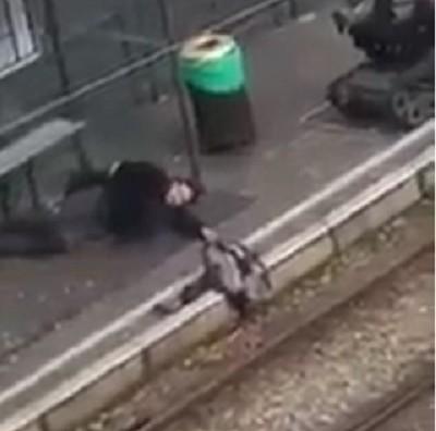 Уапсен терорист во Брисел кој држел жена и дете како заложници