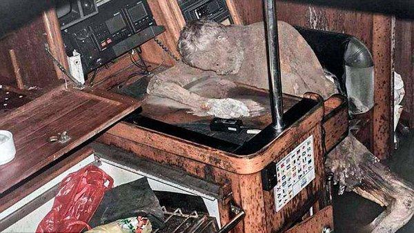 Мумифицирано тело најдено на напуштен брод
