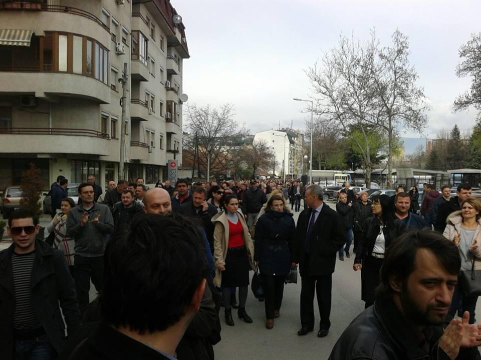 Повторно протест пред МВР за крстот во Бутел