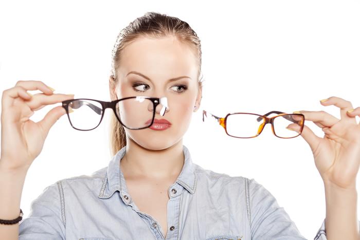 Како да ја изберете вистинската рамка за очила?
