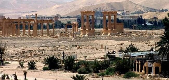 Сириската влада ја презеде контролта во Палмира