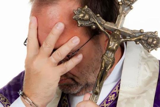 Нов педофилски скандал со свештеници ги потресе САД