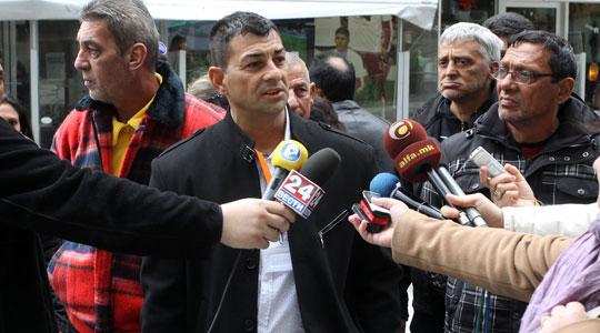 """Отпуштените од Транзитниот центар """"Винојуг"""": Оставени сме без работа, а Ременски си вработи 36 сопартијци"""