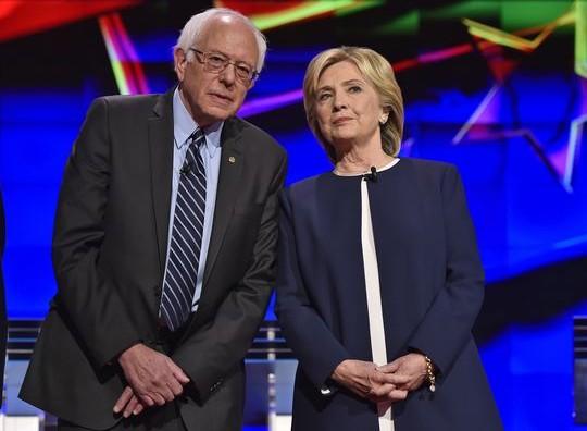 Сандерс ја победи Клинтон во Аљаска и Вашингтон