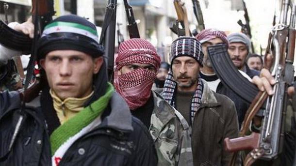 Сириски бунтовници презедоа контрола врз граничен премин меѓу Сирија и Ирак