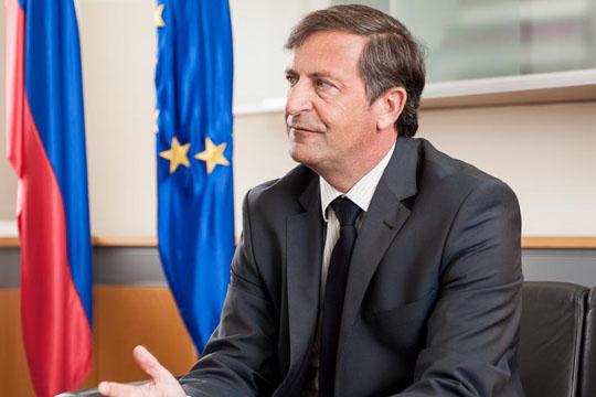 Ерјавец останува премиер на Словенија