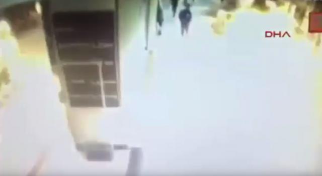 ВИДЕО: Објавени снимки од нападите во Истанбул