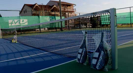 Две тениски игралишта се градат во Македонска Каменица