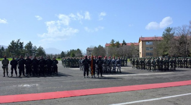 """Одбележани 22 години од формирањето на армиските """"Волци"""""""