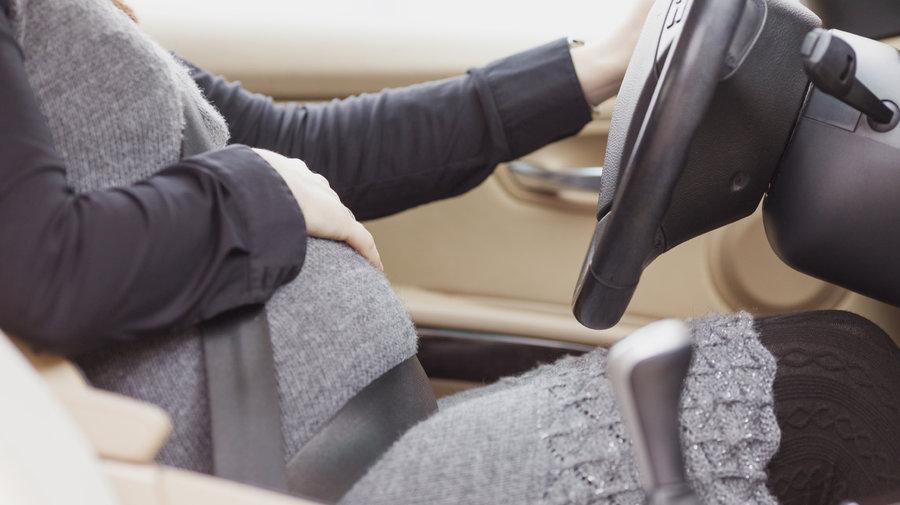 Совети за бремените жени-учеснички во сообраќајот