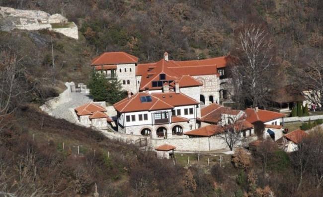Груевски: Се заокружува реконструкцијата и изградбата на манастирскиот комплекс Зрзе