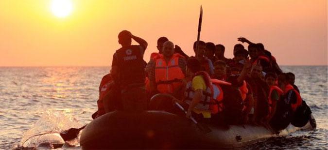 Италијанската крајбрежна стража спасила повеќе од 300 мигранти од Египет