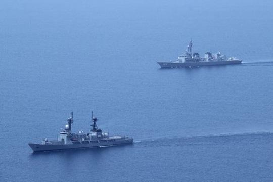 САД испраќаат повеќе воени бродови и летала во Јужното Кинеско Море