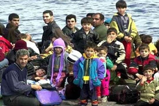 Стотици мигранти и натаму секојдневно пристигнуваат на грчките острови
