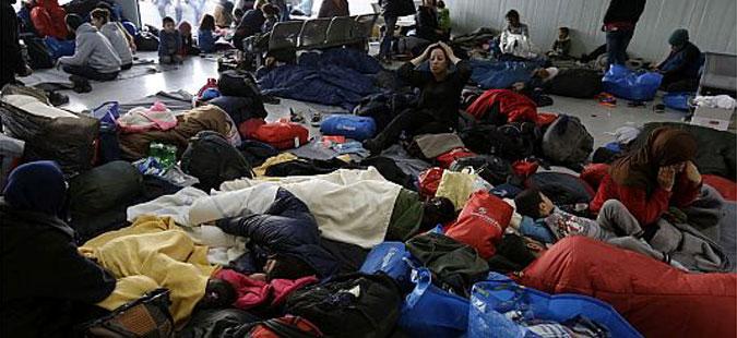 ЕК ги повика мигрантите од Идомени да се префрлат во бегалските центри низ Грција