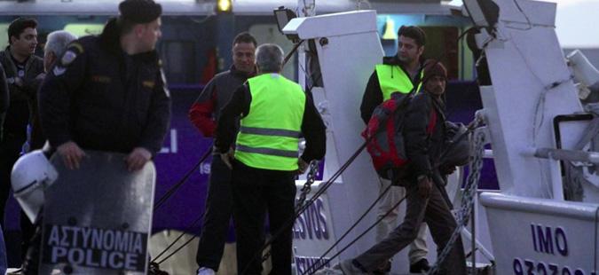 Првиот ден од враќањето мигранти од Грција во Турција мина без проблеми