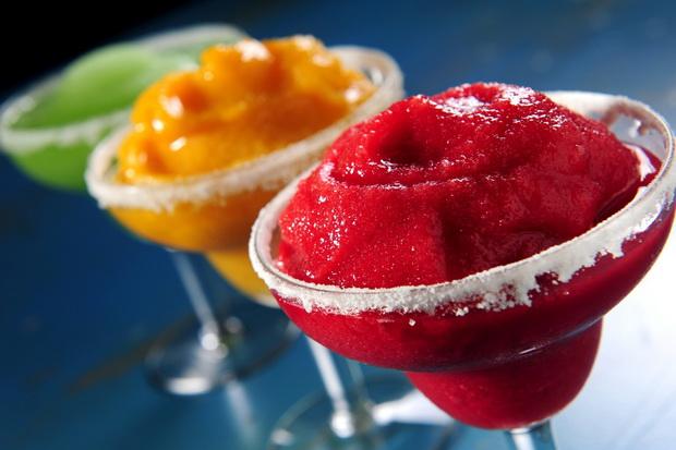 3 замрзнати коктели кои ќе ви помогнат полесно да го дочекате летото
