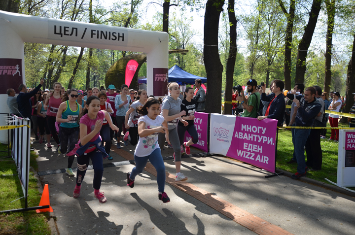 ФОТО: Над 1.000 жени денес учествуваа во Женската трка