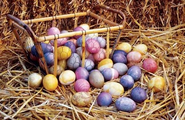Farbanje-uskrsnjih-jaja