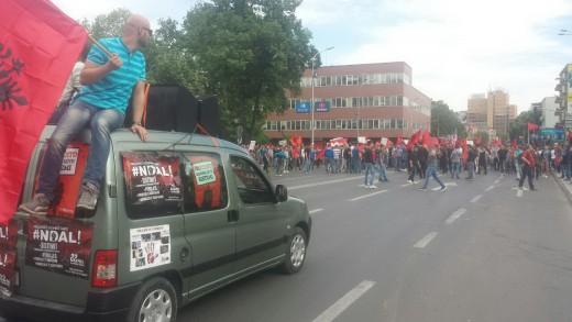 albanski-protest-besa-2-520x326
