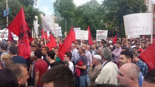 albanski-protest-besa-3-520x326