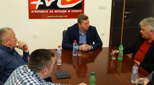 Спортска делегација на Србија во посета на АМС