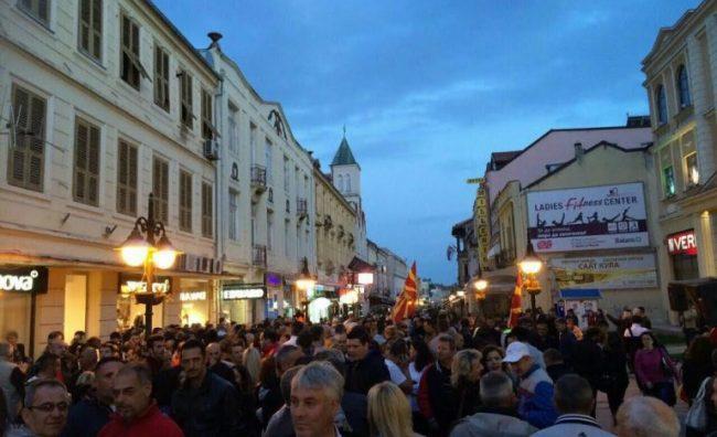 Битолчани и вечерва масовно ЗА избори на 5-ти јуни и и НЕ за деструкциите на СДСМ