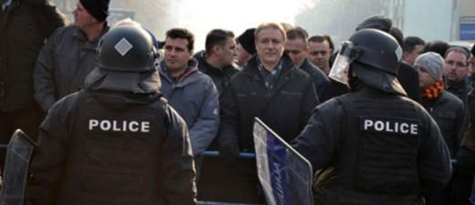 Заев во консултација со Црвенковски за уривање на државата