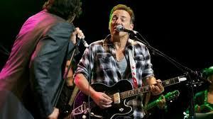 Брус Спрингстин откажа концерт поради дискриминација