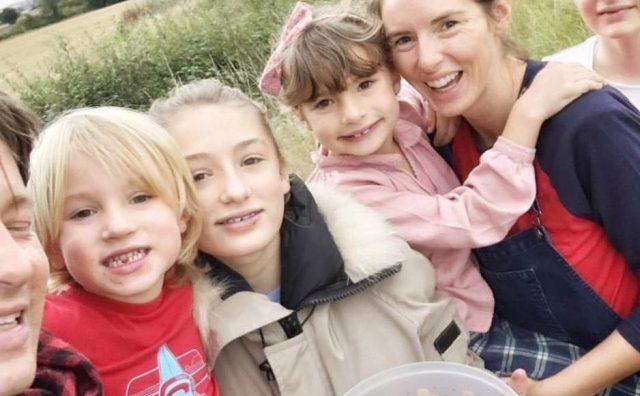Џејми Оливер и неговата сопруга го очекуваат петтото дете