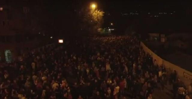 СНИМКА ОД ДРОН: Над 15.000 граѓани протестираа против Заев и СДСМ