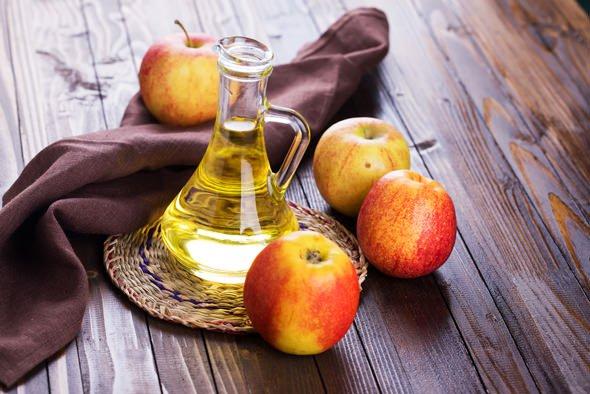Зоштo секој ден лицето треба да го чистите со јаболков оцет?
