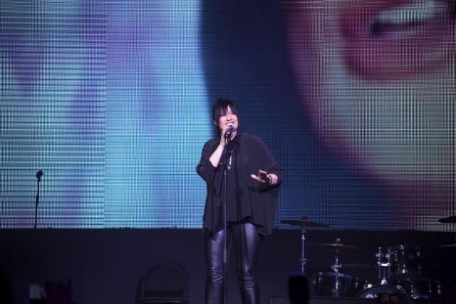 Дивата ја раздрма Русија: Калиопи со импресивен настап на московскиот гала концерт