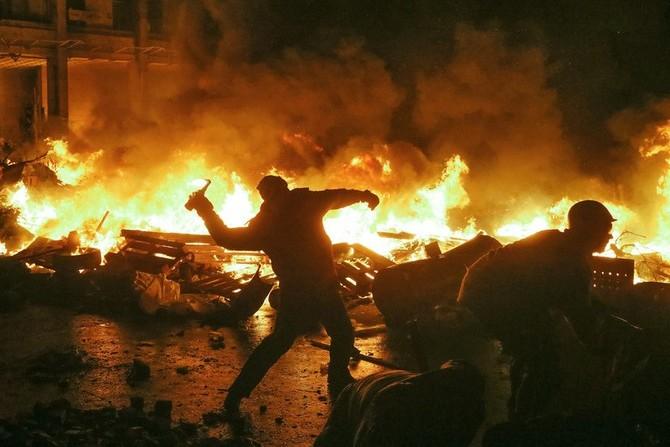 ШТО НОСИ УКРАИНСКОТО СЦЕНАРИО: Поделена држава, загинати, уништена економија, сиромаштија