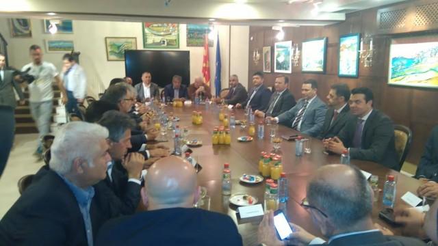 Средба на владејачката коалиција: Изборите ќе се одржат на 5 јуни, програмата е подготвена